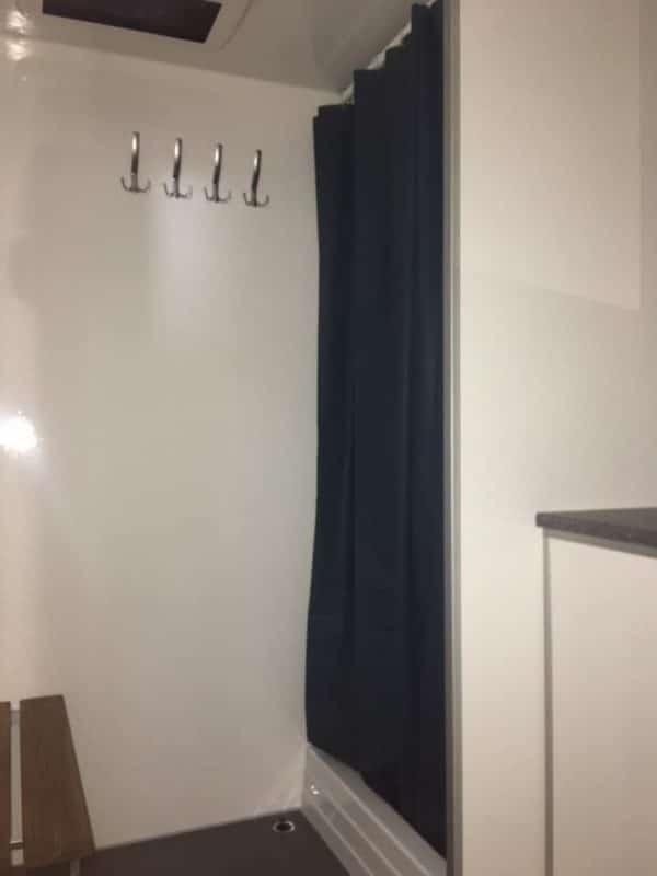 Leje af mobilt badeværelse